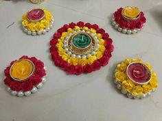 Arti Thali Decoration, Diwali Decoration Items, Thali Decoration Ideas, Diwali Decorations At Home, Festival Decorations, Flower Decorations, Diwali Candle Holders, Diwali Candles, Candle Holder Decor