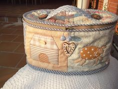Love Sewing, Country Primitive, Needle And Thread, Hamper, Cosmetic Bag, Home Crafts, Diaper Bag, Sewing Projects, Pouch