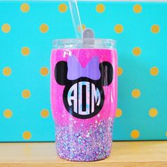 This little mini is super cute and perfect for your littles! don't forget we'll be on our family WDW vacation June so orders placed now until then will have a 5 week production time as a result. Diy Tumblers, Personalized Tumblers, Custom Tumblers, Glitter Tumblers, Kids Tumbler, Tumbler Cups, Cup Crafts, Crafts To Do, Monogram Cups