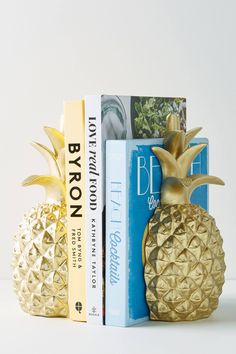 Anthropologie Gold Pineapple Bookends for desk home office or work. Great gift idea for bookworms, organize your books and papers by stacking neatly using bookends. Home decor idea. Chambre Tan, Target Home Decor, Diy Home Decor, Plywood Furniture, Home Decor Accessories, Decorative Accessories, Diy Cutting Board, Wood Cutting, Neon Party