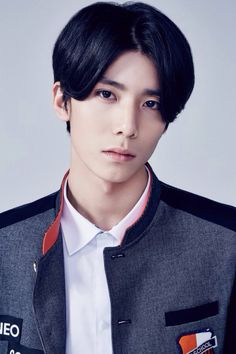 Hwiyoung NEOZ school  I'm so confused on the hair choice..... But whateves..