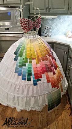 Paint chip mannequin art – Jennifer Allwood Home - paint chip swatches Source by mistresswithpro - Recycled Costumes, Recycled Dress, Recycled Art, Recycled Clothing, Recycled Materials, Paper Fashion, Diy Fashion, Fashion Design, Carnaval Costume