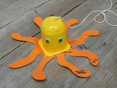 Octopus craft idea for kids Kids Crafts, Cup Crafts, Summer Crafts, Toddler Crafts, Crafts To Do, Preschool Activities, Ocean Theme Crafts, Octopus Crafts, Arts And Crafts House