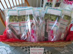 Totally need to do this for my 31 parties! Contact me for thirty one products and booking parties and these could be at your party!! Happy Shopping :) www.mythirtyone.com/rebekahbrugere