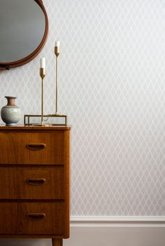 391-03 Dun | Duro tapet - din inspiration för tapeter i hemmet Wallpaper Stores, Old Wallpaper, Wallpaper Samples, Wallpaper Jungle, Scandinavian Wallpaper, Waste Paper, High Quality Wallpapers, Simple Shapes