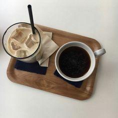 Image about fashion in food aesthetic 🍱 by Lexee Meade Aesthetic Coffee, Aesthetic Food, Korean Aesthetic, Tiramisu Dessert, Tea Latte, Latte Art, Coffee Photography, But First Coffee, Milk Tea