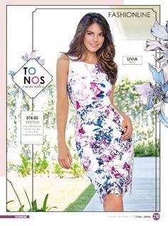 Hermoso vestido corto sin mangas para mujer. Look casual de Livia Brito estrella Cklass. Moda de seduccion
