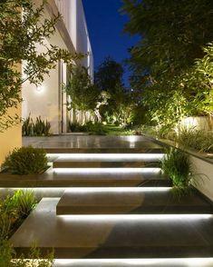 Illuminated entrance stairs … – house entrance / front garden – … – The World Modern Garden Design, Modern House Design, Modern Houses, Tropical House Design, Modern House Facades, Modern Landscape Design, Contemporary Landscape, Modern Landscape Lighting, Landscape Stairs