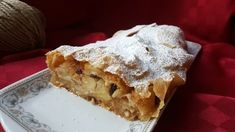 Strudel di mele, la ricetta originale del Trentino Alto Adige – Impastando a quattro mani Apple Cake, Garlic Chicken, Biscotti, Food Design, Mousse, Buffet, Food And Drink, Sweets, Mani