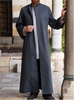 SHUKR UK | Azhar Jubba Open mandarin collar 5-button opening Front side pockets Wide sleeves Fully lined