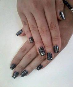 Gelish, black, nails