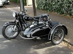 BMW R60 with Tilbrook side car