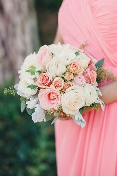 Pink to Peach to Watermelon and Coral: Great Wedding Color Inspiration | #Ombre | #Bouquet | See the wedding on SMP: http://www.StyleMePretty.com/2014/01/27/ombre-wedding-at-aldie-mansion/ Lauren Fair Photography