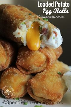 Loaded Mashed Potato Egg Rolls – Spend With Pennies Loaded Mashed Potato Egg Rolls. Crispy egg rolls stuffed with creamy loaded mashed potatoes and gooey cheese! This may be my favorite egg roll recipe yet! Loaded Mashed Potatoes, Mashed Potato Recipes, Potato Dishes, Loaded Potato, Potato Cakes, Cheesy Potatoes, Baked Potatoes, Left Over Mashed Potatoes, Mashed Potato Pizza