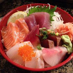 Chirashi @ Sen Dai Sushi. We love Chirashi!