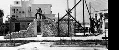 Τα ''αγαλματάκια''' στην πλατεία Βαρουτίδη στο Βύρωνα και η ιστορία τους