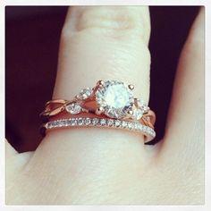 A beautiful ring // Wandering Gypsy Bridal Guide