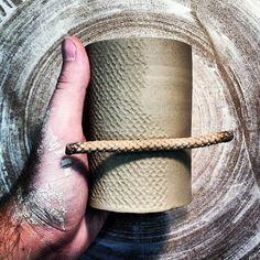 Kyle Carpenter rope texture process (photo only - no link) Ceramic Tools, Clay Tools, Ceramic Decor, Ceramic Clay, Ceramic Pottery, Pottery Art, Ceramic Texture, Clay Texture, Pottery Tools