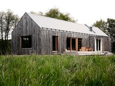 New post on martintgp Modern Barn, Modern Farmhouse, House In The Woods, My House, Cottage, Cabin Design, Architect Design, Architecture Details, Future House