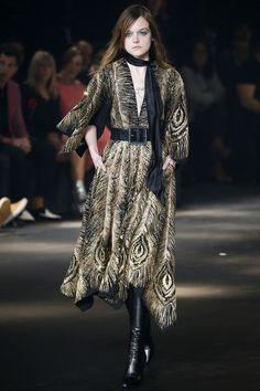 http://www.vogue.com/fashion-shows/fall-2016-menswear/saint-laurent/slideshow/collection