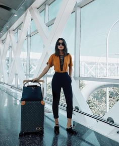 Get the latest fall outfits inspiration. This is the first installment of the fall fashion outfits ideas micro series that will be published two times a week all season. Style Outfits, Mode Outfits, Casual Outfits, Summer Outfits, Fashion Outfits, Airport Outfits, Airport Attire, Airport Style, Ootd Fashion