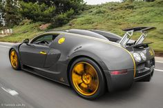 In my opinion, the most beautiful of ALL Mansory Veyron combinations... Mansory Linea Vincero d'Oro. #portraitdude