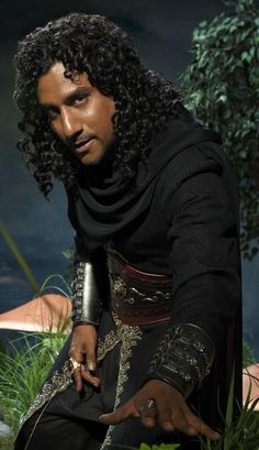 """Naveen Andrews as Jafar in the upcoming show """"Once Upon a Time in Wonderland"""" - Imgur"""