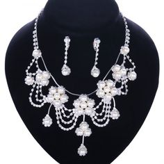 A Suit of Stylish Chic Women's Beads Faux Pearl Necklace And Earrings