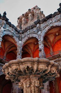 Querétaro, es uno de los estados más hermosos de México. Es una ciudad que alberga a muchos extranjeros. Bienvenidos