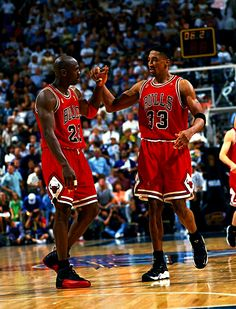 The Bulls teach me that with great teamwork you can win championships. Michael Jordan and Scottie Pippen. Street Basketball, Bulls Basketball, Basketball Legends, Basketball Players, Nba Players, Nba Pictures, Basketball Pictures, Basketball Quotes, Basketball Stuff