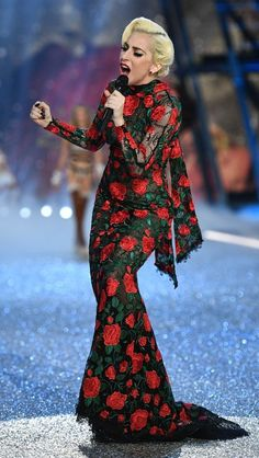 Lady Gaga in YolanCris performs at the 2016 Victoria's Secret fashion show in Paris. #bestdressed