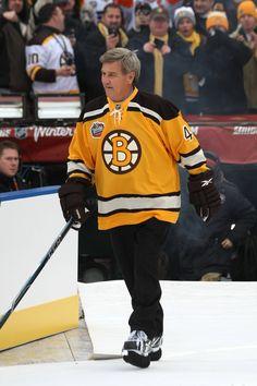 Bobby Orr- 2010 Winter Classic Boston Bruins Players e8fc5898c