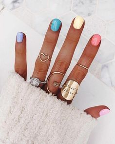 Pretty in Pastel nail colors & designs to try this season - Fab Wedding Dress, Nail art designs, Hair colors , Cakes Gradient Nails, Rainbow Nails, Holographic Nails, Rainbow Pastel, Stiletto Nails, Galaxy Nails, Coffin Nails, Diy Nails, Cute Nails