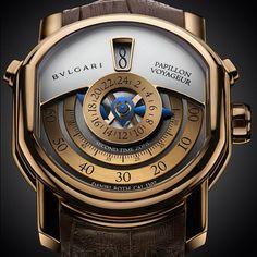 Hautetime.com Watch of the Day: Bulgari Daniel Roth Papillion Voyageur Amazing Watches, Beautiful Watches, Cool Watches, Man Watches, Fossil Watches For Men, Panerai Watches, Breitling, Estilo Fashion, Luxury Watches For Men