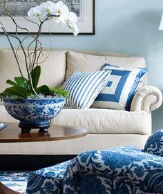 El color #azul y el #blanco crean un estilo impactante que llama la atención de todos donde ofrece una perfecta elegancia y un estilo espectacular.