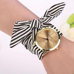 Montre Bracelet à Quartz Tissu Stripe Floral Pour Femmes