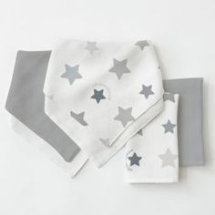 433528b9d9d Weegoamigo Bamboo Bib  Washer Multi Pack Stars Grey