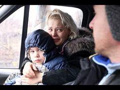 Жителей Углегорска ополченцы выводят из города под обстрелом ВСУ Ukraine, Revolution, Baby Strollers, Children, Face, First Aid, Baby Prams, Young Children, Boys