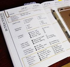 DIY Book Journal Inspiration - 13 Bullet Journal Layout Ideas You Can Use To Get Organized. Bullet Journal Spread, Bullet Journal Ideas Pages, Bullet Journal Layout, Bullet Journal Inspiration, Journal Pages, Bullet Journals, Journal Prompts, Bujo, Planners