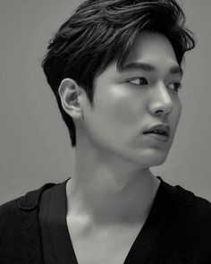 Find the best Lee Min Ho Wallpapers on GetWallpapers. Asian Actors, Korean Actresses, Korean Actors, Korean Dramas, Jung So Min, Lee Min Ho Kdrama, Choi Min Ho, Lee Min Ho Photos, Kdrama Actors