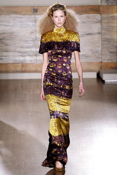 L'Wren Scott's Fall 2013 - London Fashion Week - inspired by Gustav Klimt - Obviously! Fashion Art, High Fashion, Fashion Show, Runway Fashion, Fashion Trends, Gustav Klimt, L'wren Scott, London Fashion Weeks, Foto Art