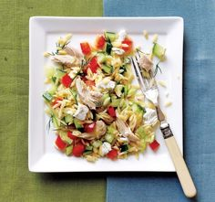 This colorful orzo and chicken main dish salad from Cooking Light is packed with an assortment of chopped fresh vegetables and tossed with a tangy lemon dressing. It's a great use for leftover or . 300 Calorie Dinner, Low Calorie Pasta, Chicken Salad Recipes, Pasta Recipes, Low Calorie Chicken Salad Recipe, Chicken Salads, Chicken Pasta, Risoni, Cooking Light Recipes