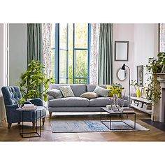 47 Beautiful Living Room Decoration Ideas For Spring And Summer Living Room Photos, Living Room Sofa, Living Room Interior, Living Room Furniture, Living Room Decor, Living Spaces, Interior S, Interior Design, Round Side Table