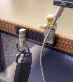 Make+a+LEGO+key+&+cable+holder