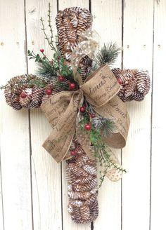 Pine comb crossRustic Christmas crossChristmas Cross by Keleas Christmas Cross, Country Christmas, Winter Christmas, Christmas Time, Primitive Christmas, Xmas, Holiday Wreaths, Holiday Crafts, Christmas Decorations
