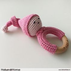 Sleepy Doll Amigurumi Free Crochet Pattern and Video Tutorial - womenshealth Crochet Easter, Crochet Baby Toys, Crochet Bear, Baby Knitting, Free Crochet, Handgemachtes Baby, Baby Born, Crochet Granny Square Afghan, Baby Rattle