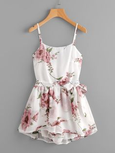 Shop Floral Print Random Knot Open Back Cami Romper online. SheIn offers Floral Print Random Knot Open Back Cami Romper & more to fit your fashionable needs. Cute Casual Outfits, Cute Summer Outfits, Casual Dresses, Pretty Outfits, Casual Clothes, Floral Chiffon, Chiffon Dress, Floral Tie, Floral Design