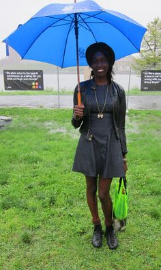 Denim dress + neon bag = Governors Ball street style perfection