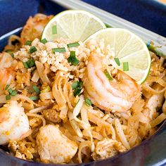 I have the best pad thai recipe ever thanks to Pim. I have the best pad thai recipe ever thanks to Pim. Thai Recipes, Seafood Recipes, Asian Recipes, Cooking Recipes, Best Pad Thai Recipe, I Love Food, Good Food, Great Recipes, Salads