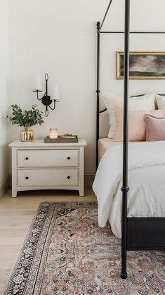 Pink Master Bedroom, Master Bedroom Design, Home Bedroom, Modern Bedroom, Master Bedrooms, Cozy Master Bedroom Ideas, Dusty Pink Bedroom, Simple Bedrooms, Master Master